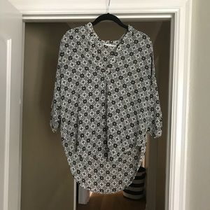 3/4 length sleeve black and white lush top